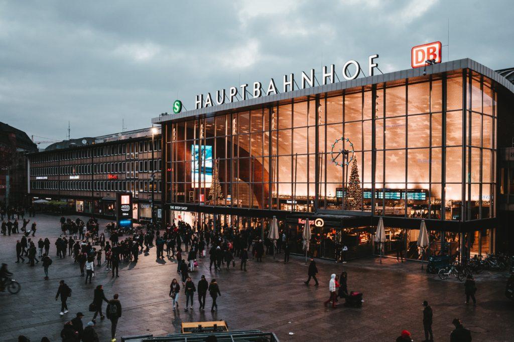 berlin-hauptbahnhof-1734907