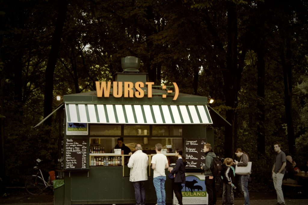 germany-kiosk-line-lunch-4481